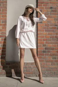 Sukienka Fobya z tkaniny z długim rękawem