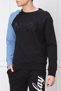 Czarna bluza N21 w młodzieżowym stylu