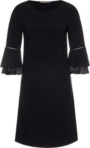 Czarna sukienka Pennyblack midi z okrągłym dekoltem trapezowa