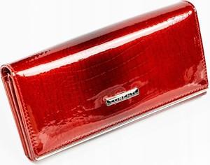 Czerwony portfel Lorenti w stylu glamour