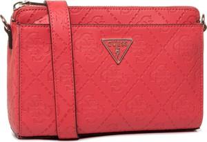 Czerwona torebka Guess średnia na ramię