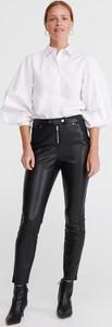 Czarne spodnie Reserved w rockowym stylu