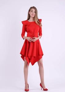 Czerwona sukienka Nommo z długim rękawem z okrągłym dekoltem