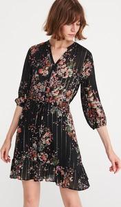 Sukienka Reserved z długim rękawem w stylu casual mini