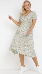 Żółta sukienka born2be midi z dekoltem w kształcie litery v