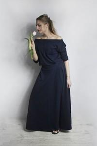 Sukienka Meleksima rozkloszowana z długim rękawem z dzianiny
