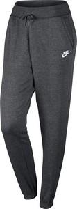 Czarne spodnie sportowe Nike w sportowym stylu z dresówki