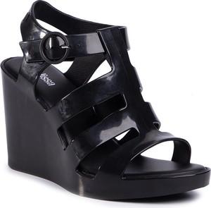Sandały Melissa z klamrami
