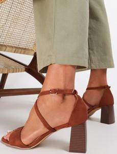 Brązowe sandały Renee na obcasie