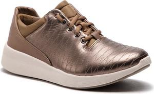 Sneakersy Clarks sznurowane ze skóry