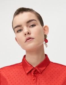 Czerwona koszula Cropp z kołnierzykiem w stylu casual z satyny