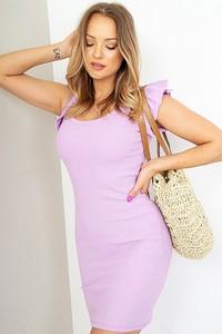 Różowa sukienka ZOiO.pl dopasowana z okrągłym dekoltem mini