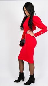 Sukienka Olika z odkrytymi ramionami z długim rękawem w stylu casual