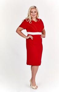 Czerwona sukienka Fokus z dekoltem w kształcie litery v z krótkim rękawem