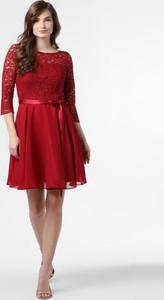 Czerwona sukienka Swing z okrągłym dekoltem z długim rękawem
