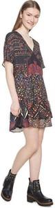 Sukienka Desigual z krótkim rękawem mini w stylu boho