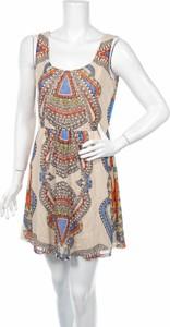 Sukienka American Rag Cie z okrągłym dekoltem rozkloszowana mini