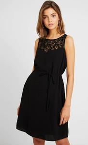 Czarna sukienka Vila rozkloszowana z okrągłym dekoltem