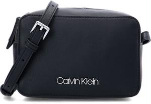 Czarna torebka Calvin Klein z aplikacjami