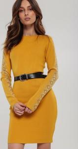 Sukienka Renee dopasowana z okrągłym dekoltem z długim rękawem