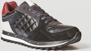 Brązowe buty sportowe Guess sznurowane w sportowym stylu