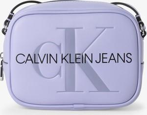 Fioletowa torebka Calvin Klein na ramię