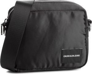 Brązowa torebka Calvin Klein na ramię w stylu casual