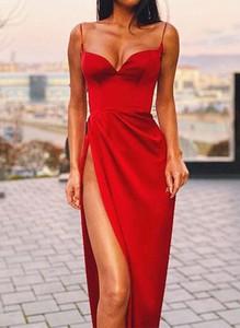 Sukienka Arilook z dekoltem w kształcie litery v midi