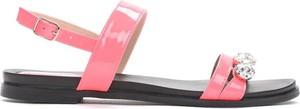 Różowe sandały Multu z klamrami z płaską podeszwą