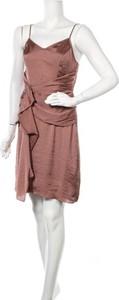 Różowa sukienka Hoss Intropia mini z dekoltem w kształcie litery v