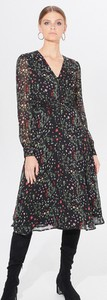 Sukienka Mohito z szyfonu z długim rękawem z dekoltem w kształcie litery v