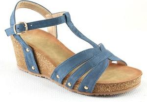 Niebieskie sandały Foreverfolie na koturnie ze skóry