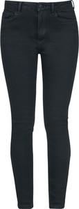 Czarne jeansy Emp w street stylu