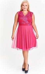 Różowa sukienka Fokus z szyfonu