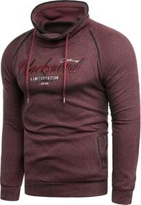 Czerwona bluza Risardi w młodzieżowym stylu
