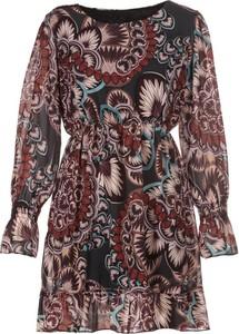 Sukienka Multu mini w stylu casual z długim rękawem