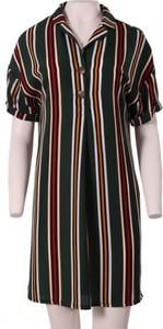 Sukienka Niren z kołnierzykiem w stylu casual