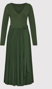 Sukienka Guess z długim rękawem z dekoltem w kształcie litery v w stylu casual