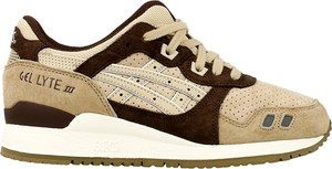 Buty sportowe ASICS z płaską podeszwą sznurowane w sportowym stylu