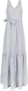 Sukienka Hugo Boss z lnu rozkloszowana z dekoltem w kształcie litery v