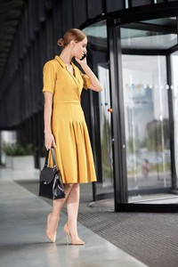 Sukienka Style z tkaniny midi