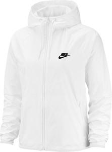 Kurtki i płaszcze damskie Nike, kolekcja wiosna 2020