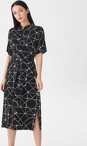Czarna sukienka House z dekoltem w kształcie litery v w stylu casual midi