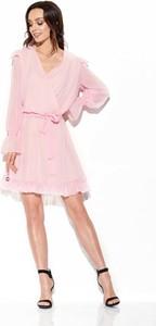 Różowa sukienka Merg z długim rękawem