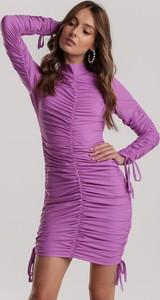 Sukienka Renee w stylu casual z golfem z długim rękawem