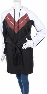Czarna kurtka NA-KD w stylu casual