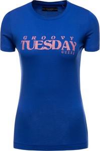 Niebieski t-shirt Guess z okrągłym dekoltem w stylu casual z krótkim rękawem