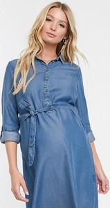 Niebieska sukienka Mama Licious z jeansu