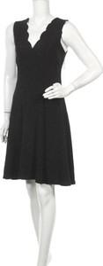 Sukienka Dex mini bez rękawów z dekoltem w kształcie litery v