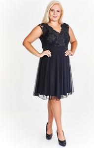 Granatowa sukienka Fokus rozkloszowana midi z dekoltem w kształcie litery v